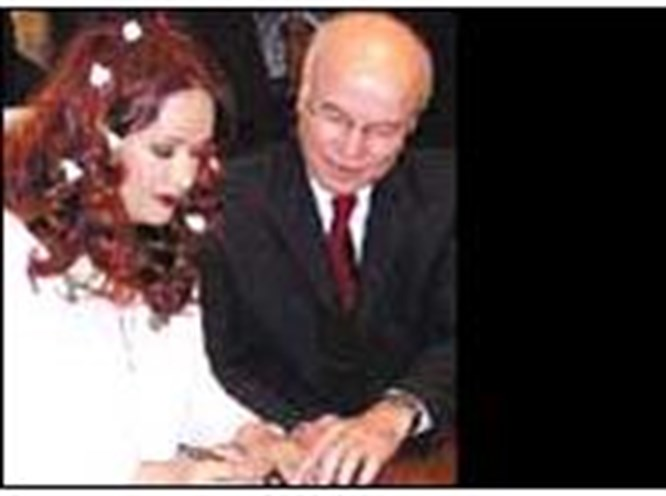 Sekiz yıllık aşka Paris'te imza